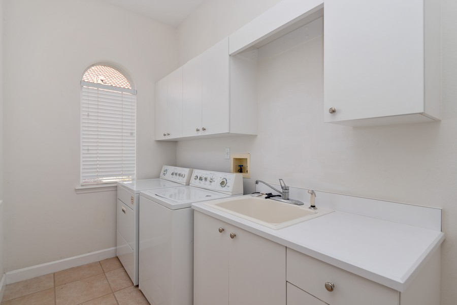 Real Estate Photography - 1569 Westover Loop, Lake Mary, FL, 32746 - Laundry Room