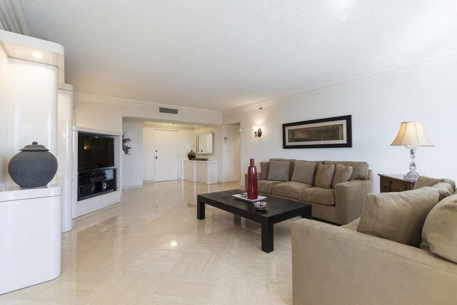 Real Estate Photography - 1401 S Ocean Blvd, #403, Boca Raton, FL, 33432 - Living Room