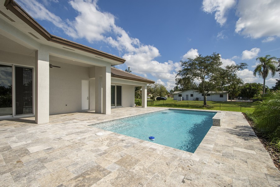 Real Estate Photography - 12100 NW 27th Street, Plantation, FL, 33323 - Pool