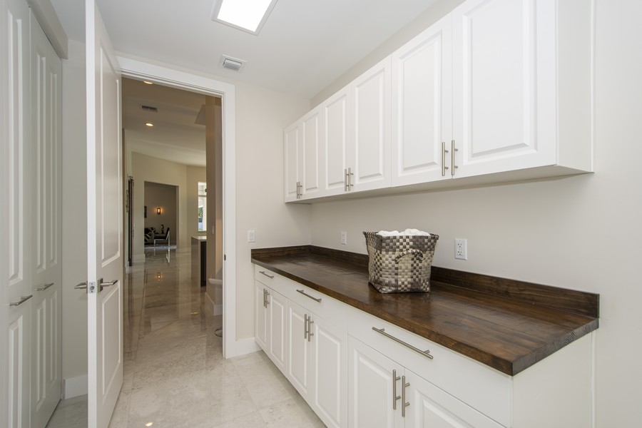 Real Estate Photography - 12100 NW 27th Street, Plantation, FL, 33323 - Laundry Room