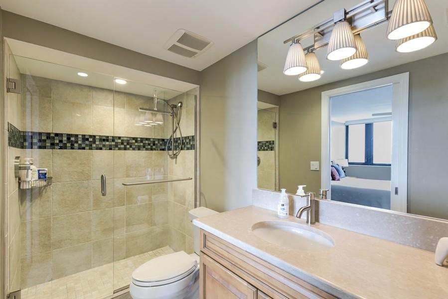 Real Estate Photography - 5601 Turtle Bay Dr, Unit 2004, Naples, FL, 34108 - 2nd Bathroom