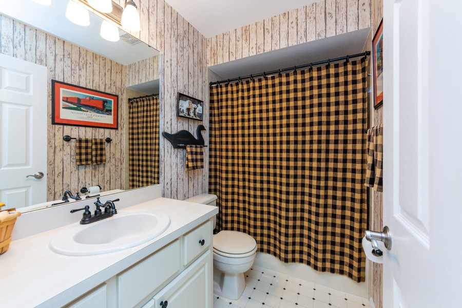 Real Estate Photography - 415 Bluebell Rd, Venice, FL, 34293 - 3rd Bathroom