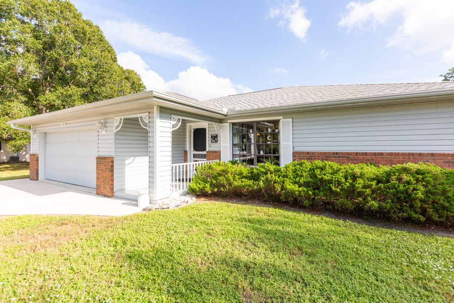 Real Estate Photography - 415 Bluebell Rd, Venice, FL, 34293 - Front View
