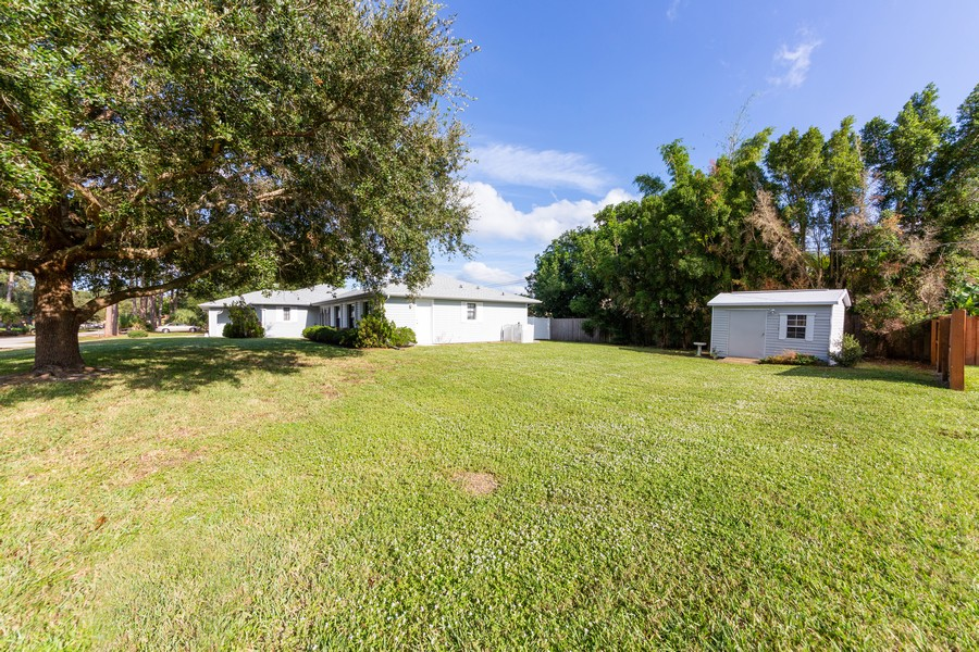 Real Estate Photography - 415 Bluebell Rd, Venice, FL, 34293 - Side View