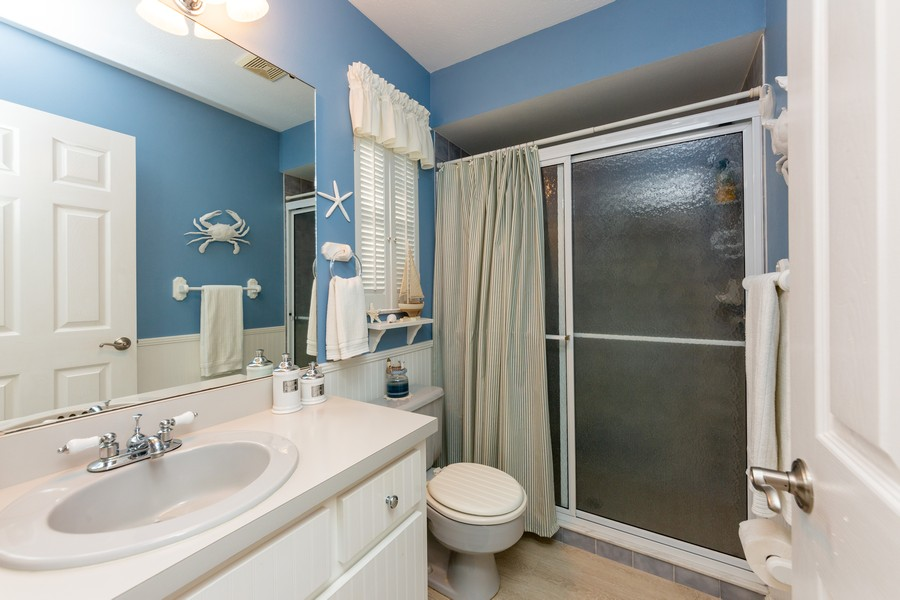 Real Estate Photography - 415 Bluebell Rd, Venice, FL, 34293 - 2nd Bathroom