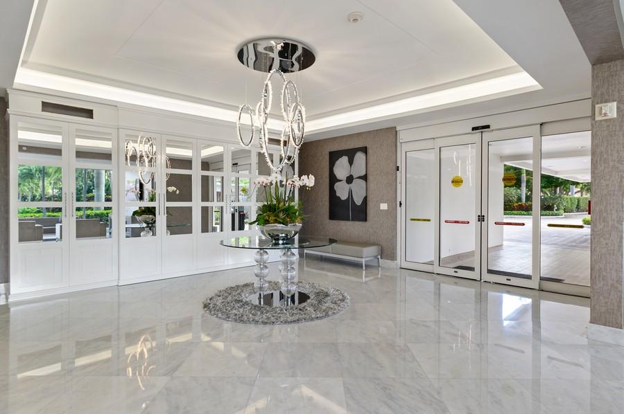 Real Estate Photography - 701 E. Camino Real, #3-C, Boca Raton, FL, 33432 - Lobby