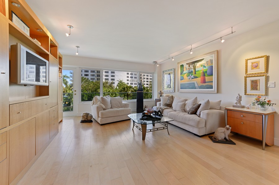Real Estate Photography - 701 E. Camino Real, #3-C, Boca Raton, FL, 33432 - Living Room