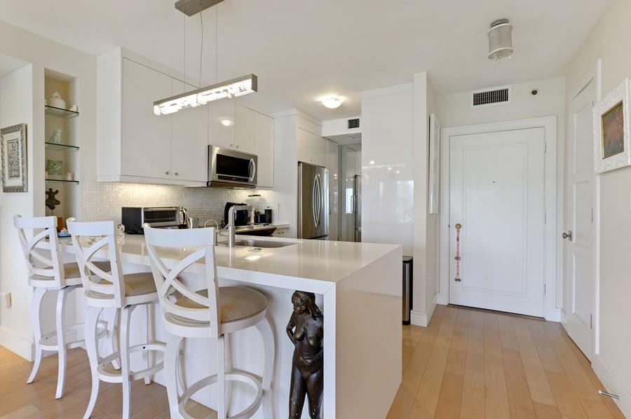 Real Estate Photography - 701 E. Camino Real, #3-C, Boca Raton, FL, 33432 - Kitchen