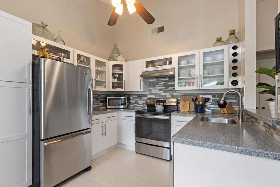 Real Estate Photography - 23271 Cedar Hollow Way, Boca Raton, FL, 33433 - Kitchen