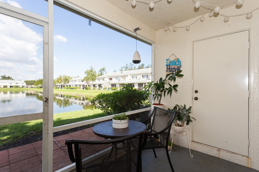 Real Estate Photography - 3165 SW 50th St, Fort Lauderdale, FL, 33312 - Patio
