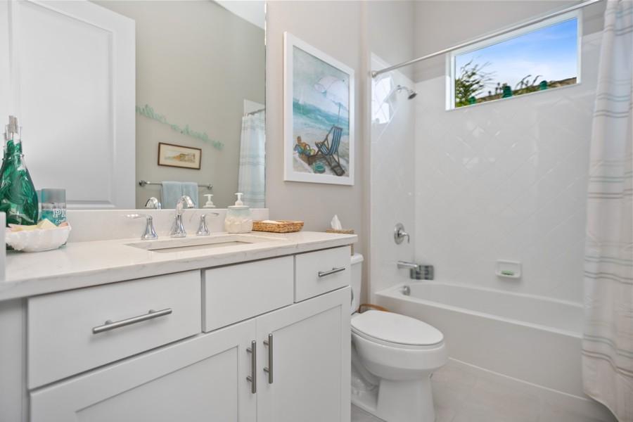 Real Estate Photography - 4123 Midnight Blue Run, Bradenton, FL, 34211 - Bathroom
