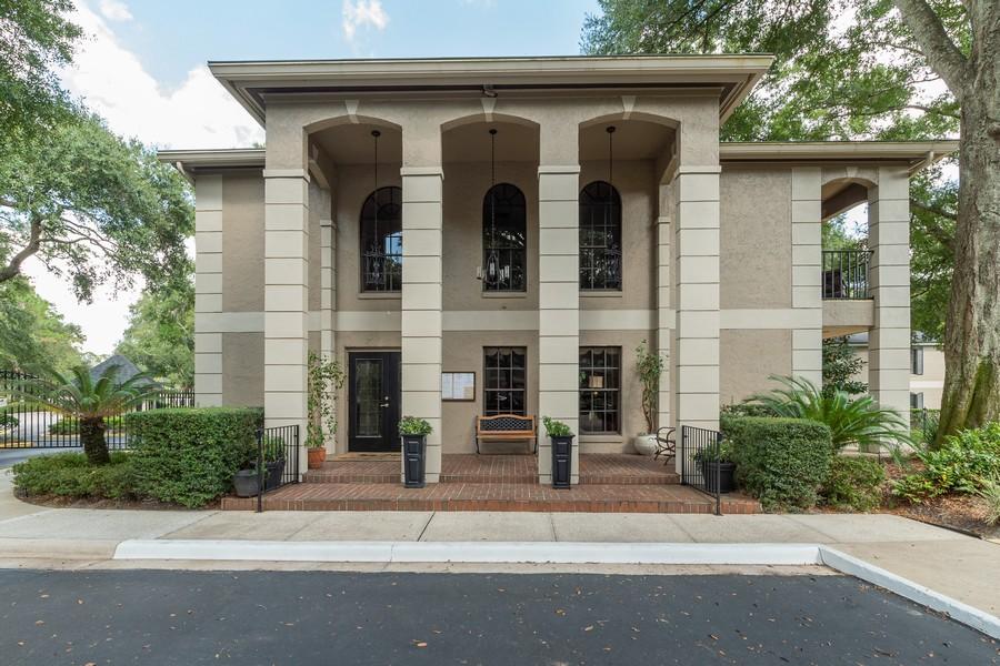 Real Estate Photography - 1055 Kensington Park Dr, Unit 803, Altamonte Springs, FL, 32714 - Clubhouse