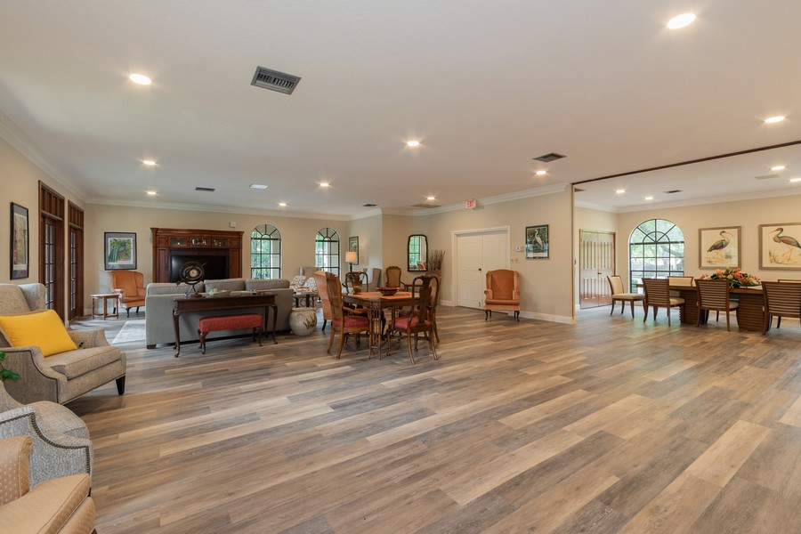 Real Estate Photography - 1055 Kensington Park Dr, Unit 803, Altamonte Springs, FL, 32714 - Meeting room in clubhouse