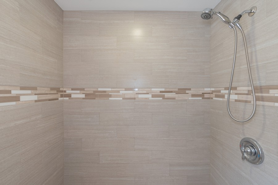 Real Estate Photography - 1055 Kensington Park Dr, Unit 803, Altamonte Springs, FL, 32714 - Master Bathroom