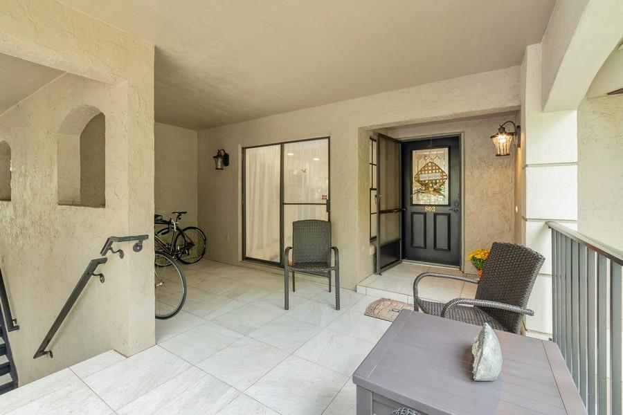 Real Estate Photography - 1055 Kensington Park Dr, Unit 803, Altamonte Springs, FL, 32714 -