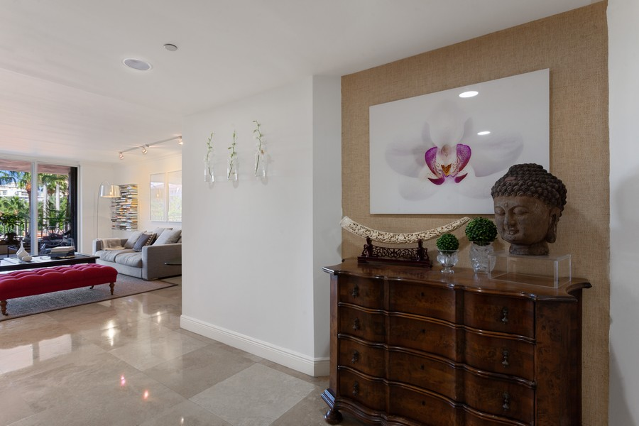 Real Estate Photography - 765 Crandon Blvd, 203, Key Biscayne, FL, 33149 - Foyer