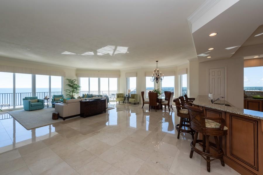 Real Estate Photography - 85 Avenue de la mer, 1106, Palm Coast, FL, 32137 - Great Room