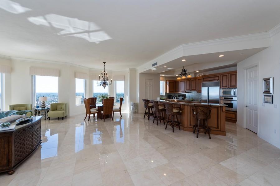 Real Estate Photography - 85 Avenue de la mer, 1106, Palm Coast, FL, 32137 - Lots of room for entertaining !