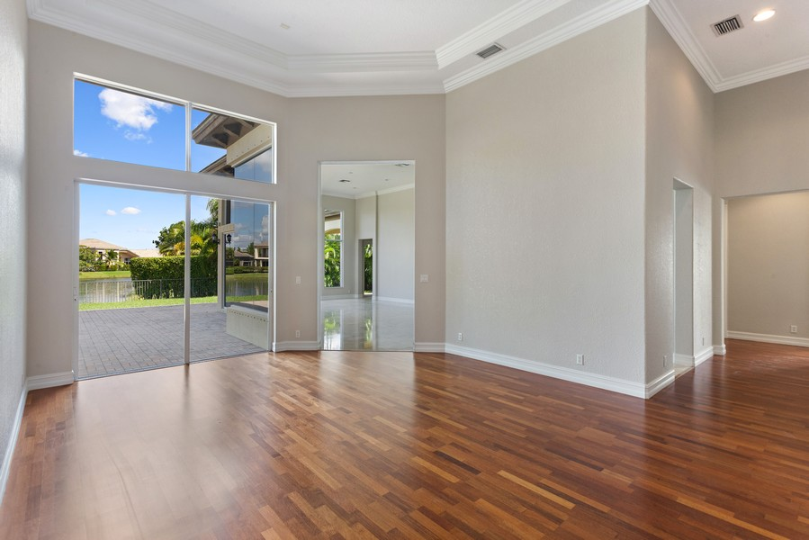 Real Estate Photography - 12191 NW 73 STREET, PARKLAND, FL, 33076 - Living Room