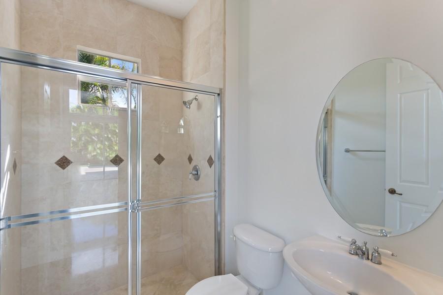 Real Estate Photography - 12191 NW 73 STREET, PARKLAND, FL, 33076 - 3rd Bathroom