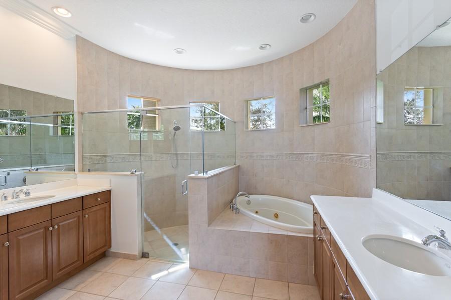Real Estate Photography - 12191 NW 73 STREET, PARKLAND, FL, 33076 - Master Bathroom
