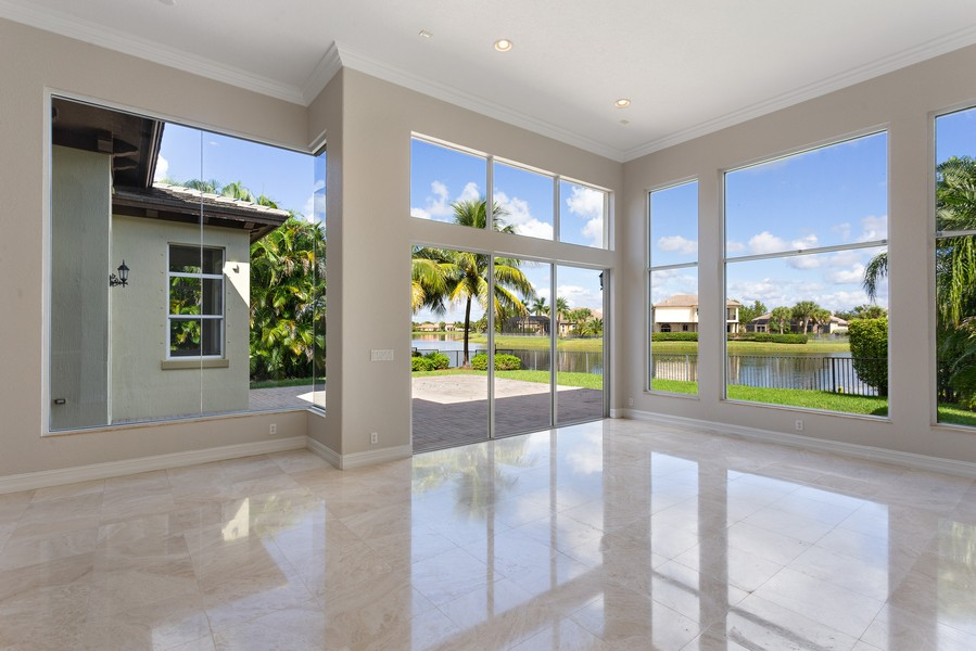 Real Estate Photography - 12191 NW 73 STREET, PARKLAND, FL, 33076 - Family Room