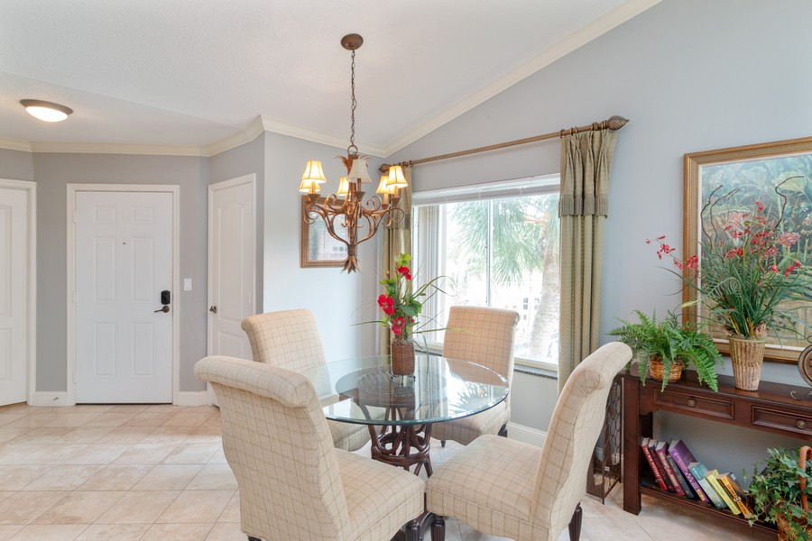 Real Estate Photography - 815 W Boynton Beach Boulevard, 13-201, Boynton Beach, FL, 33426 - Dining Room
