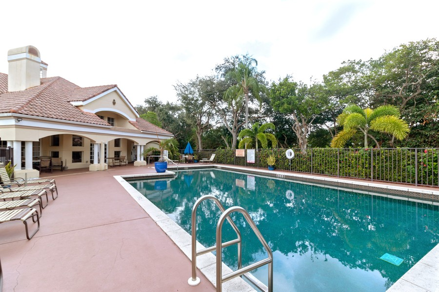 Real Estate Photography - 815 W Boynton Beach Boulevard, 13-201, Boynton Beach, FL, 33426 - Pool