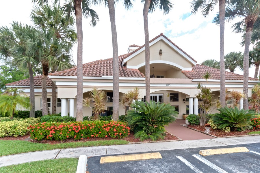 Real Estate Photography - 815 W Boynton Beach Boulevard, 13-201, Boynton Beach, FL, 33426 - Clubhouse