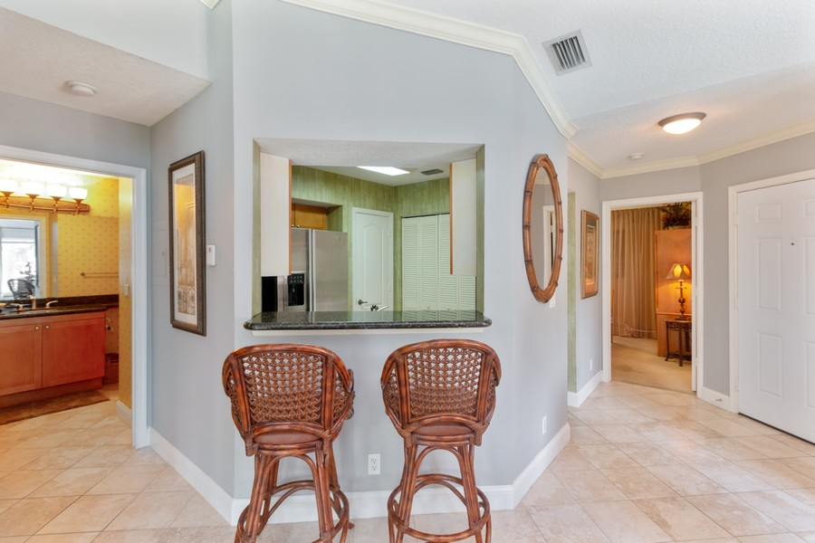 Real Estate Photography - 815 W Boynton Beach Boulevard, 13-201, Boynton Beach, FL, 33426 - Kitchen