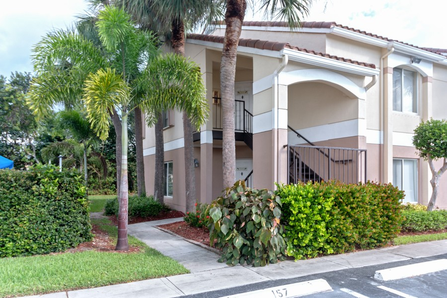 Real Estate Photography - 815 W Boynton Beach Boulevard, 13-201, Boynton Beach, FL, 33426 - Front View