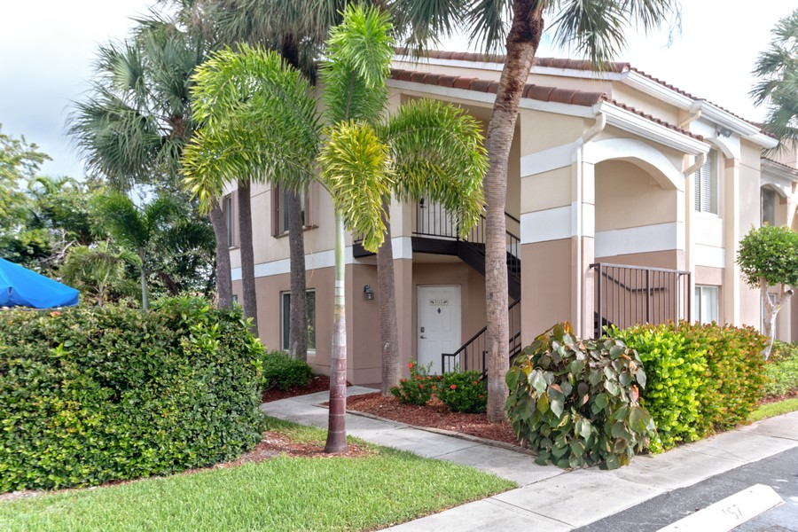 Real Estate Photography - 815 W Boynton Beach Boulevard, 13-201, Boynton Beach, FL, 33426 - 13-201