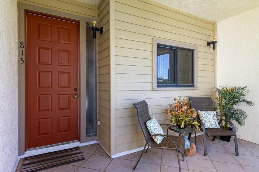 Real Estate Photography - 3905 Mariner's Walk, 815, Cortez, FL, 34215 - Porch
