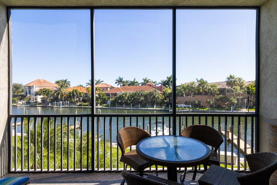 Real Estate Photography - 3905 Mariner's Walk, 815, Cortez, FL, 34215 - Lanai