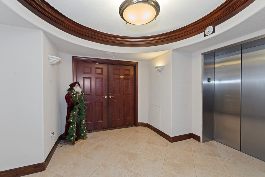 Real Estate Photography - 1323 Highway A1A, 601, Satellite Beach, FL, 32937 - Entrance