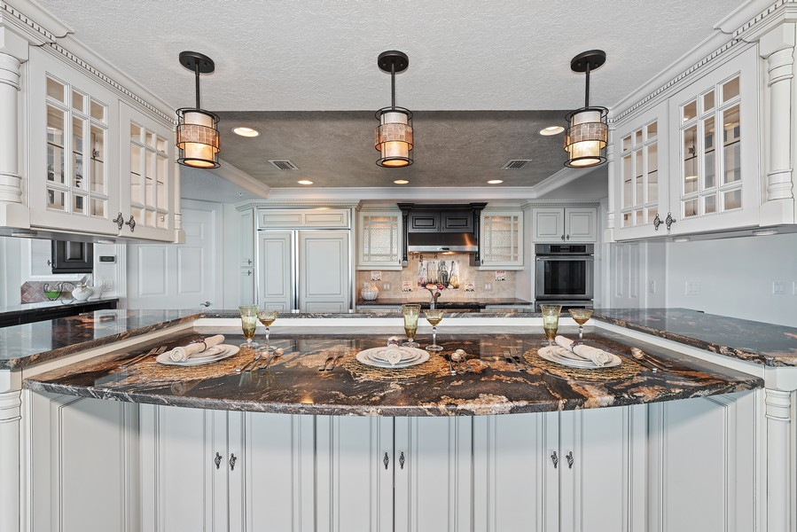 Real Estate Photography - 1323 Highway A1A, 601, Satellite Beach, FL, 32937 - Kitchen
