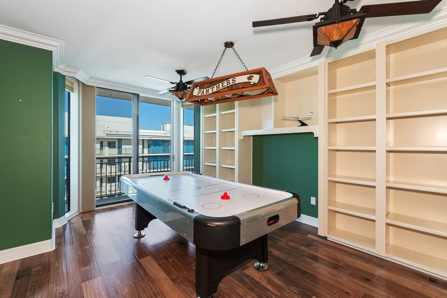 Real Estate Photography - 1323 Highway A1A, 601, Satellite Beach, FL, 32937 - Office