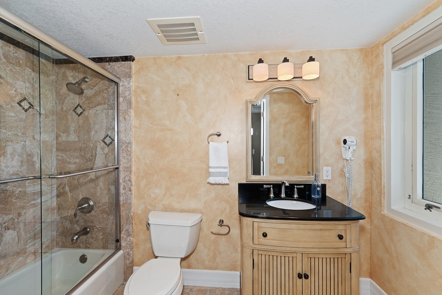 Real Estate Photography - 1323 Highway A1A, 601, Satellite Beach, FL, 32937 - 2nd Bathroom