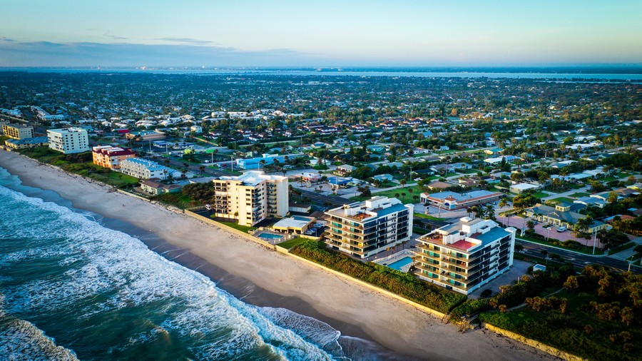 Real Estate Photography - 1323 Highway A1A, 601, Satellite Beach, FL, 32937 -