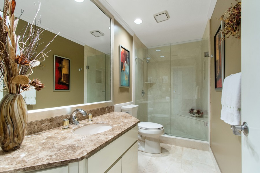 Real Estate Photography - 5210 NE 33rd Ave, Ft Lauderdale, FL, 33308 - 4th Full Bath