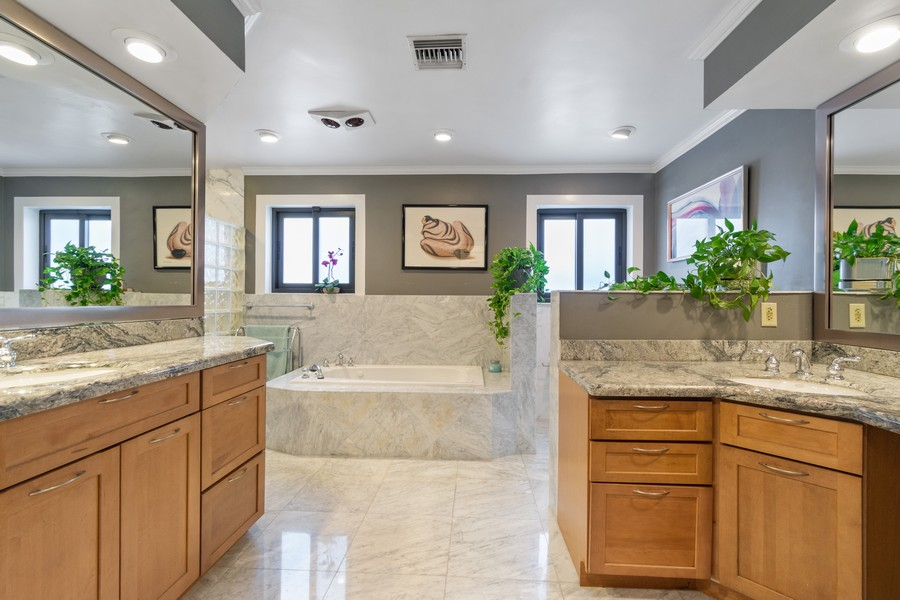 Real Estate Photography - 5210 NE 33rd Ave, Ft Lauderdale, FL, 33308 - Master Bathroom