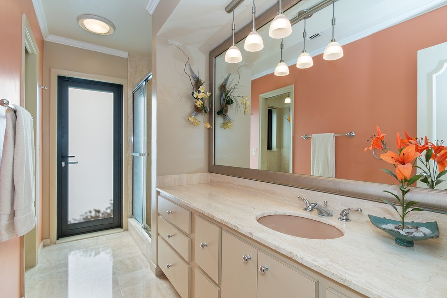Real Estate Photography - 5210 NE 33rd Ave, Ft Lauderdale, FL, 33308 - 2nd Full Bath