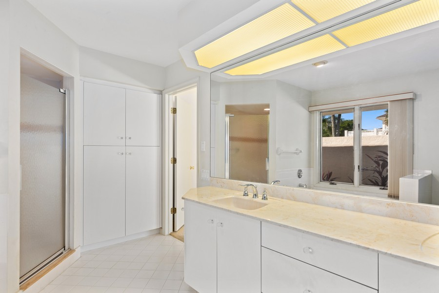 Real Estate Photography - 685 Thrush Ct, Marco Island, FL, 34105 - Master Bathroom