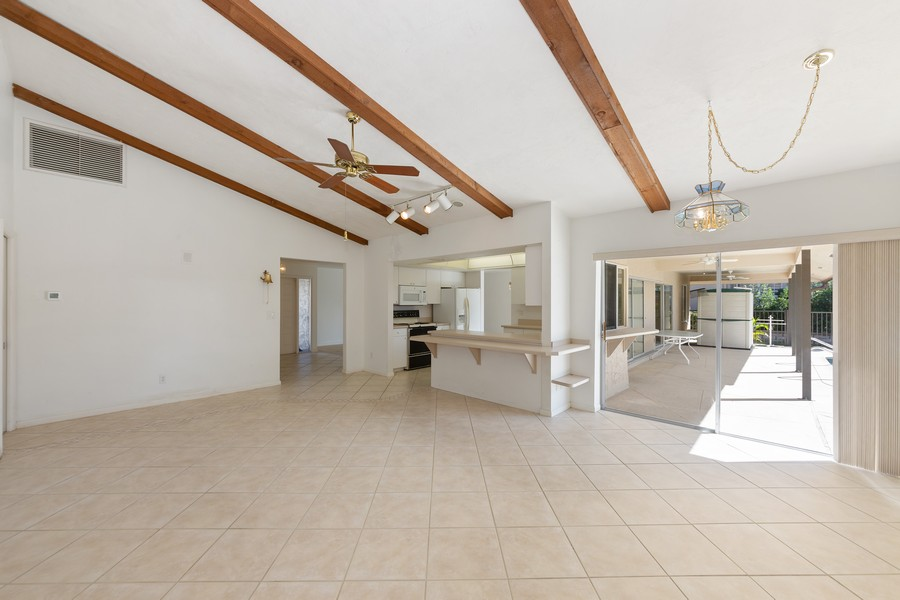 Real Estate Photography - 685 Thrush Ct, Marco Island, FL, 34105 - Great Room