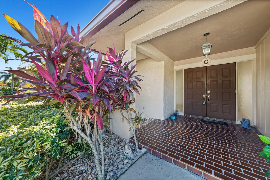 Real Estate Photography - 685 Thrush Ct, Marco Island, FL, 34105 - Entrance