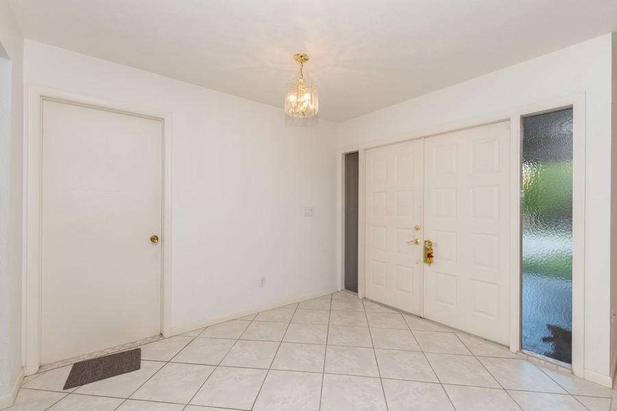 Real Estate Photography - 685 Thrush Ct, Marco Island, FL, 34105 - Foyer