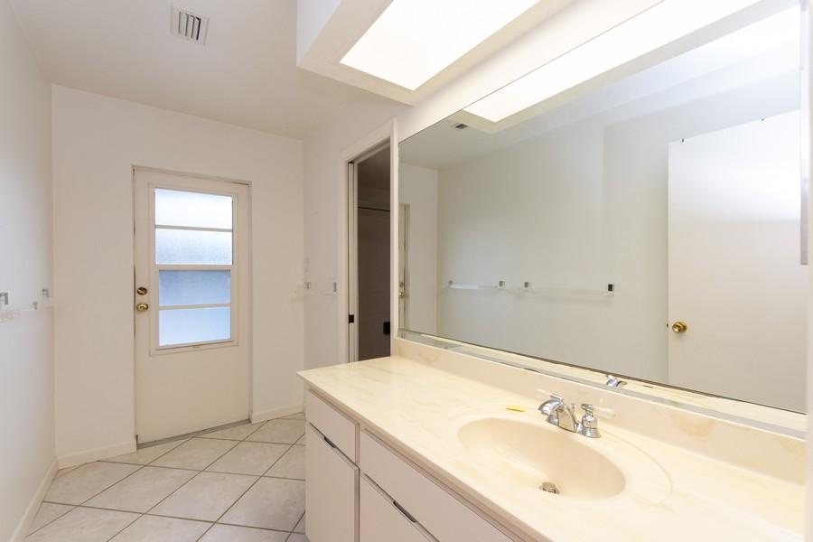 Real Estate Photography - 685 Thrush Ct, Marco Island, FL, 34105 - Bathroom