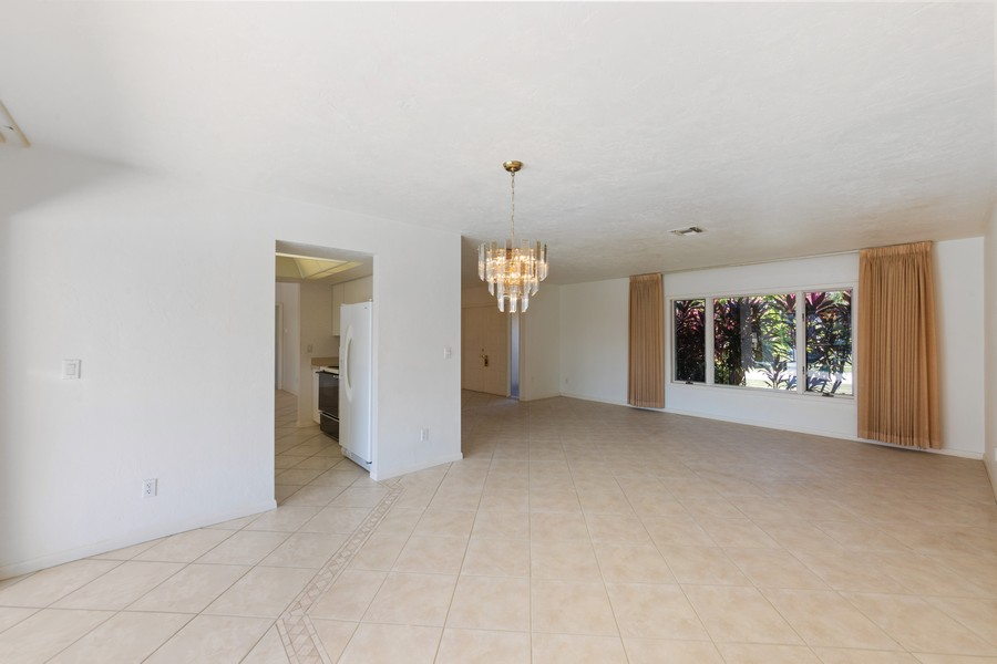Real Estate Photography - 685 Thrush Ct, Marco Island, FL, 34105 - Living Room / Dining Room
