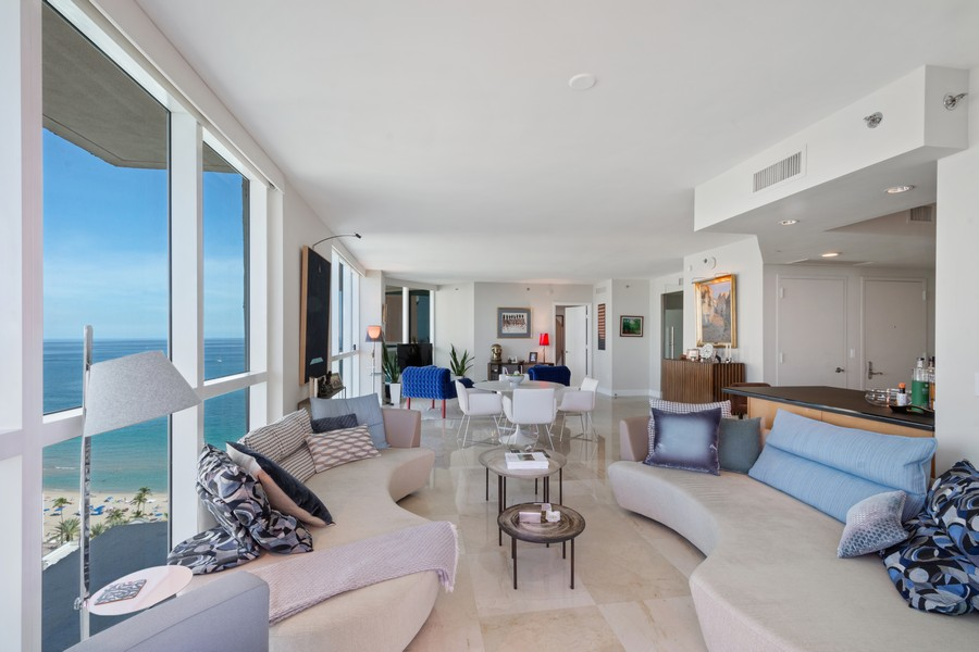 Real Estate Photography - 101 S Fort Lauderdale Beach Blvd 2206, Fort Lauderdale, FL, 33316 - Family Room