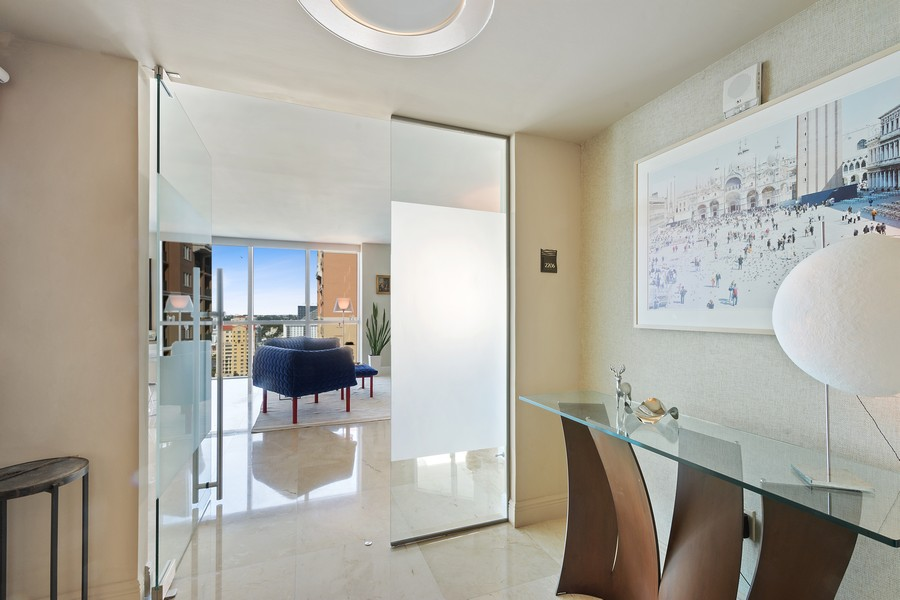 Real Estate Photography - 101 S Fort Lauderdale Beach Blvd 2206, Fort Lauderdale, FL, 33316 - Foyer